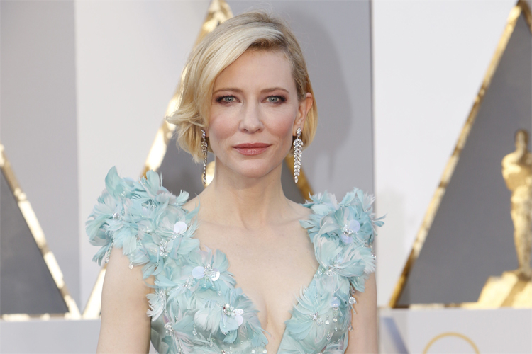Cate Blanchett: a vision in Tiffany & Co. jewelry at the Oscars | Photo: Oscars