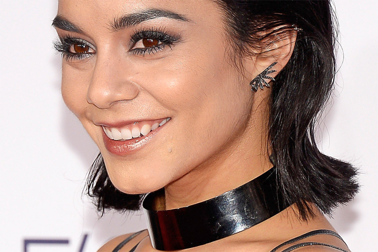 Vanessa Hudgens: wearing Jack Vartanian earrings at the 2016 People's Choice Awards