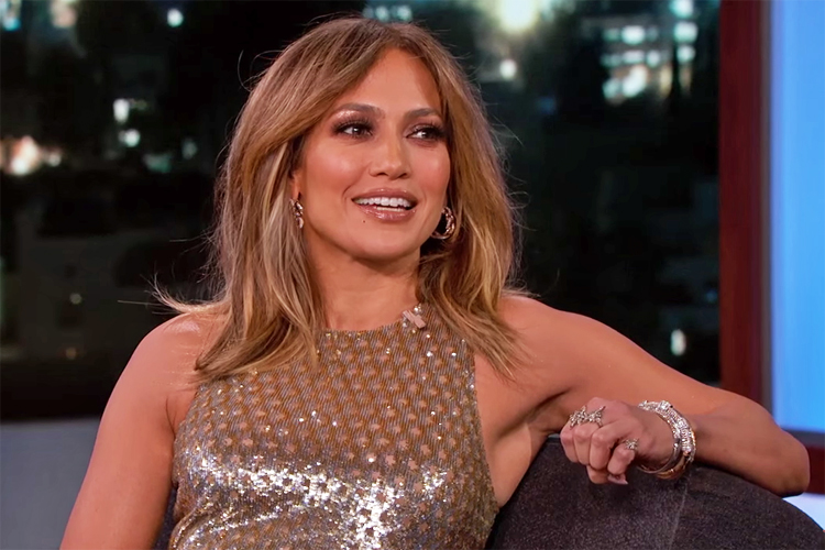 Jennifer Lopez: a golden beauty in Chocolate Diamonds by Le Vian