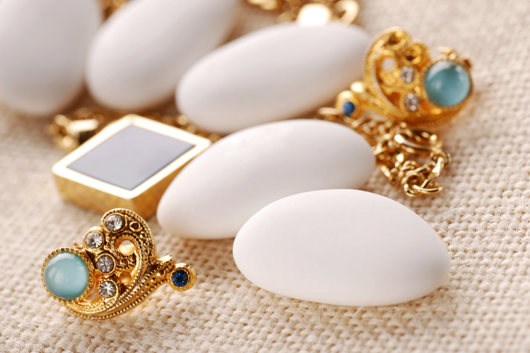 Jewelry: learn how to build a brand in the world gemstones