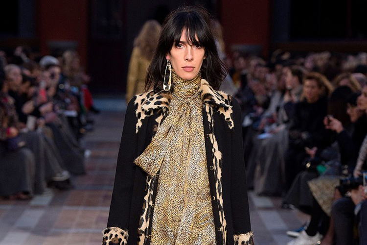 Sonia Rykiel: using safety pins in the 2016 Winter/Fall fashion shows