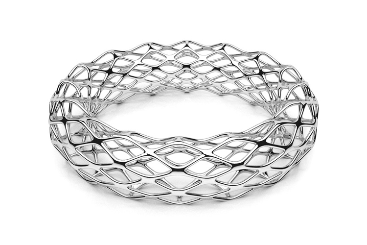 The GRID: a 3D-printed bangle made from platinum | Photo: Daniel Christian Tang