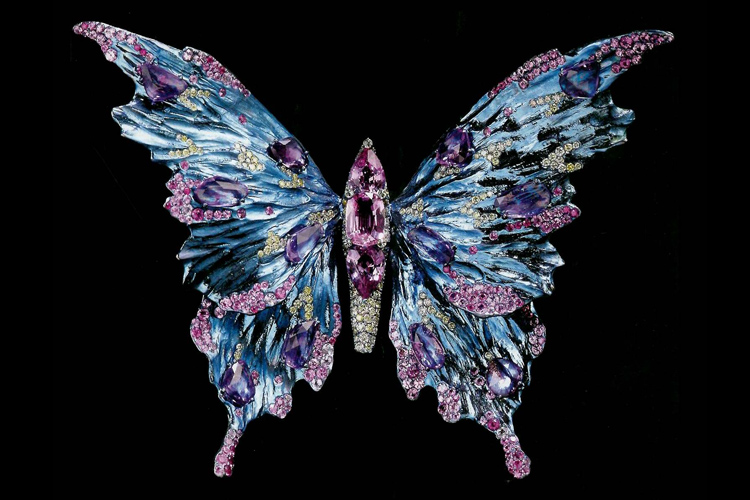 Book explores the magnificent jewelry work of Wallace Chan