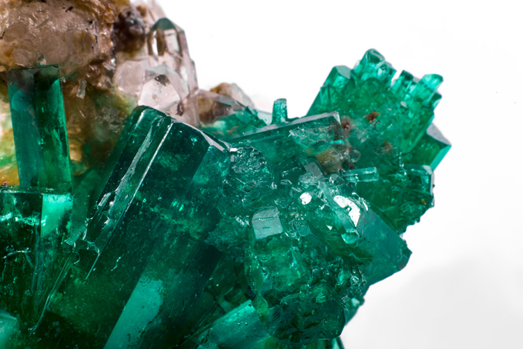 The Mohs Scale: any mineral can be ranked on the other specimens that it can or cannot scratch | Photo: Shutterstock